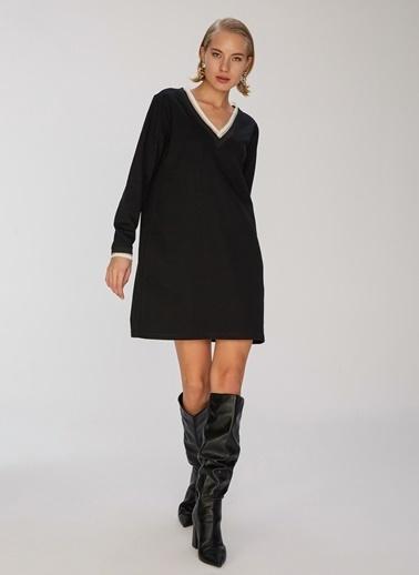 People By Fabrika V Yaka Örme Elbise Siyah